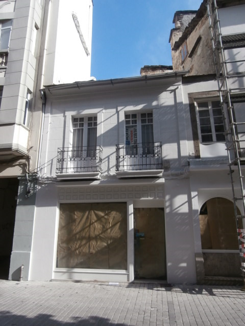 Local comercial en Rúa Xoán Montes, 5