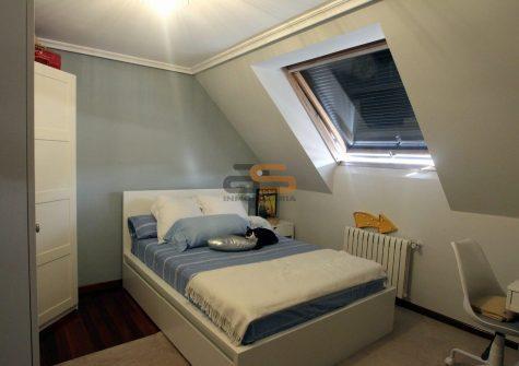 32772 – Duplex en las inmediaciones de la muralla