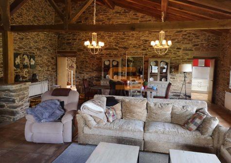 Casa rústica en Baleira