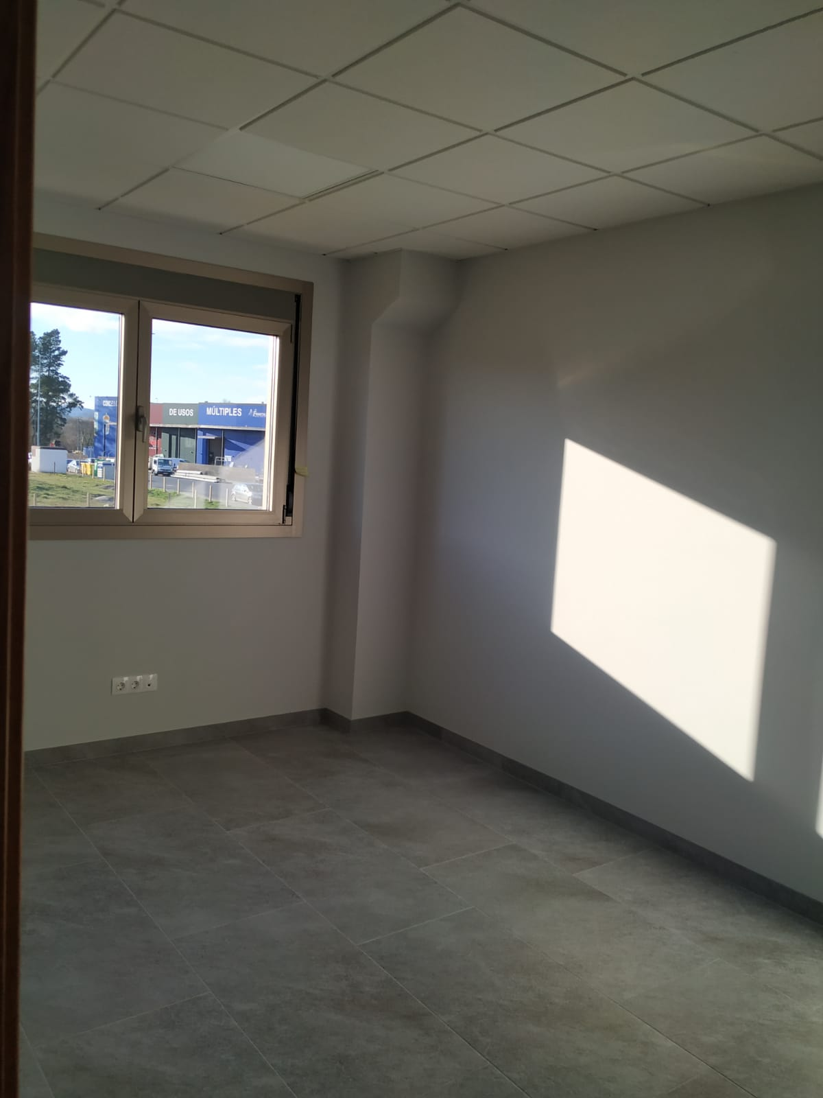34775 – Local oficinas en alquiler Friol